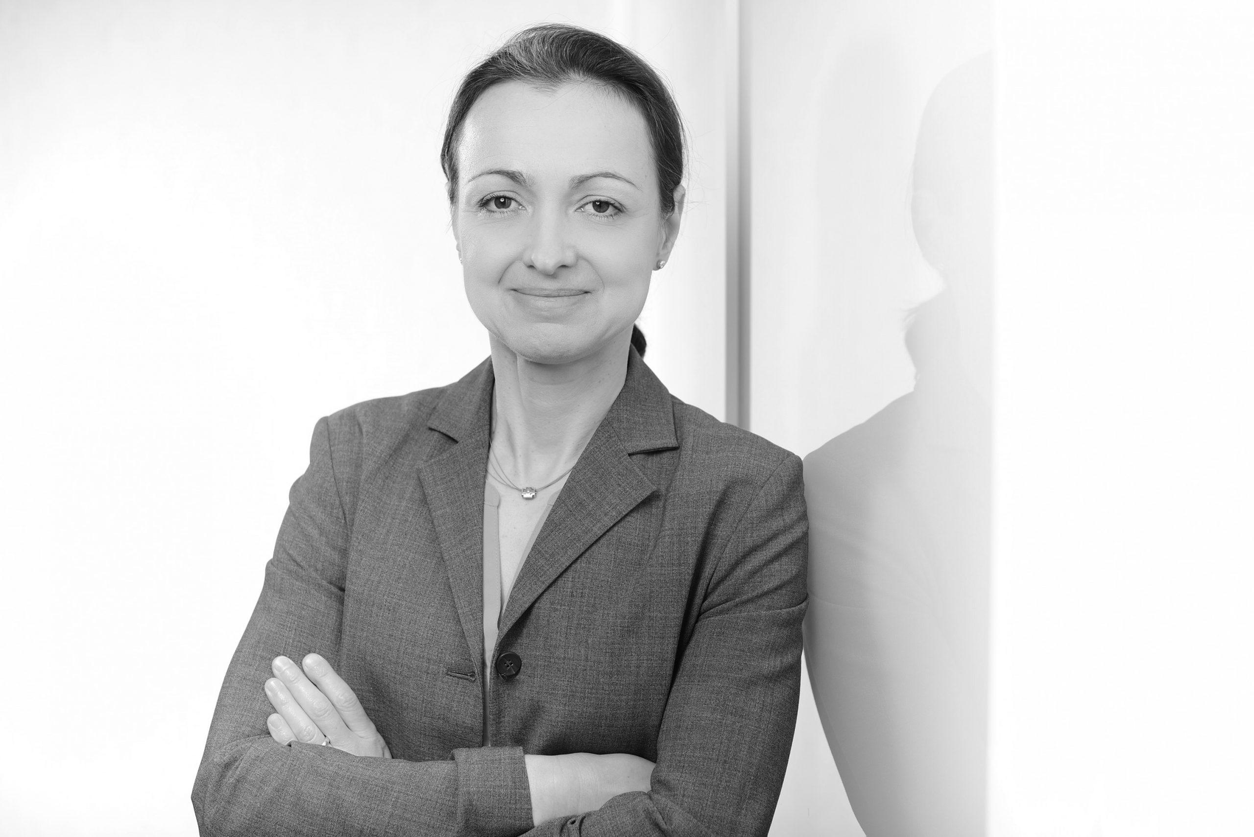 Véronique Hess